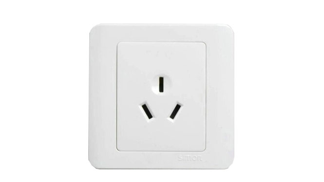 西蒙86型开关插座面板C3白色系列 16A三孔插座 C31681