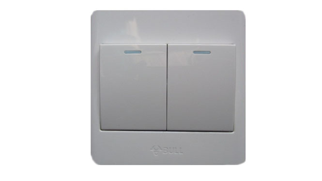 公牛墙壁开关插座面板 两开多控二开多控开关86型G06K214Y