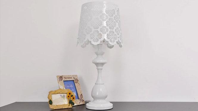 现代简约台灯 客厅卧室床头台灯白色 雕花北欧宜家田园书房台灯BT1130